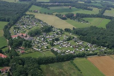 luchtfoto Camping de Harmienehoeve